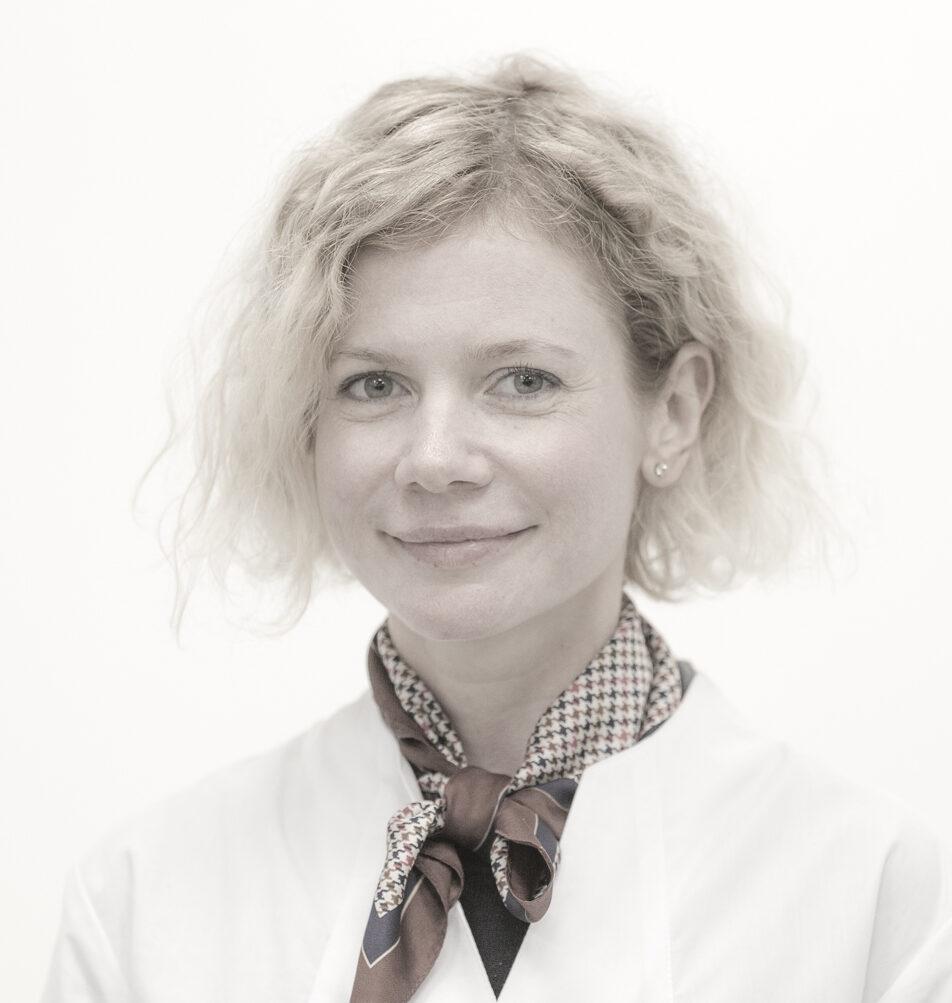 Марина Стаина